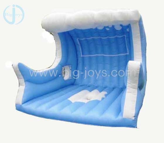 Inflatable surf mat